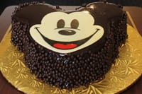 We can make and deliver cakes of various sizes to the dining room or a stateroom for that special occasion.