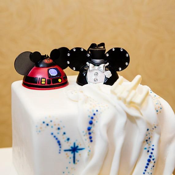 Wedding cake wednesday star wars galaxy inspiration disney weddings korri junglespirit Choice Image