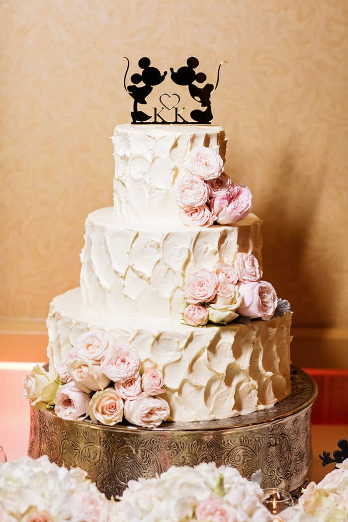 wedding cake wednesday buttercream elegance at disneyland disney weddings. Black Bedroom Furniture Sets. Home Design Ideas