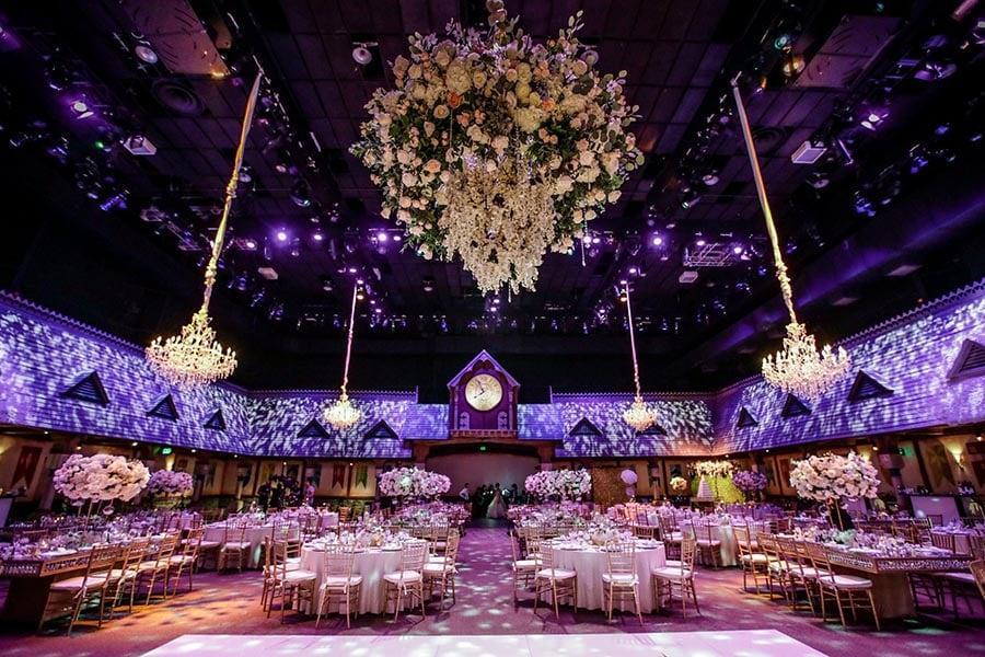How Much Does A Disney Wedding Cost Disney Weddings Disney Weddings