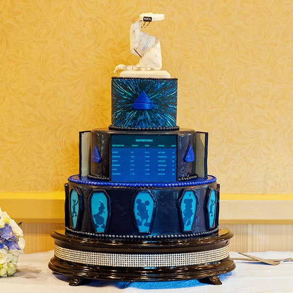 Wedding Cake Wednesday: Star Wars Millennium Falcon | Disney ...