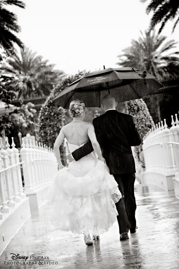 We Ve All Heard That Rain Is Good Luck On Your Wedding Day And I Seen Some Of The Most Magical Breathtaking Photos Take Place In