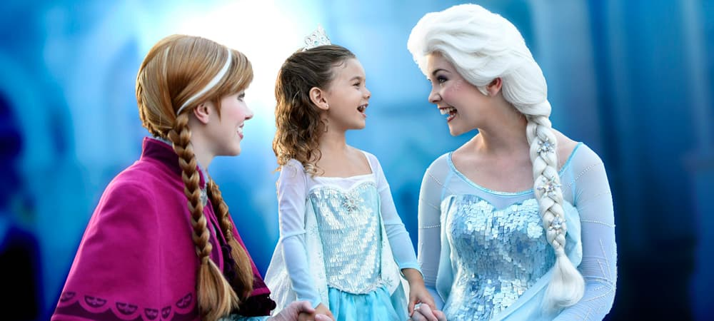 Meet anna and elsa paradise pier attractions disney california royal welcome m4hsunfo