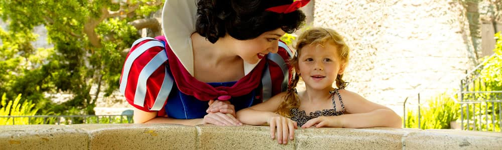 Snow White and a Little Girl
