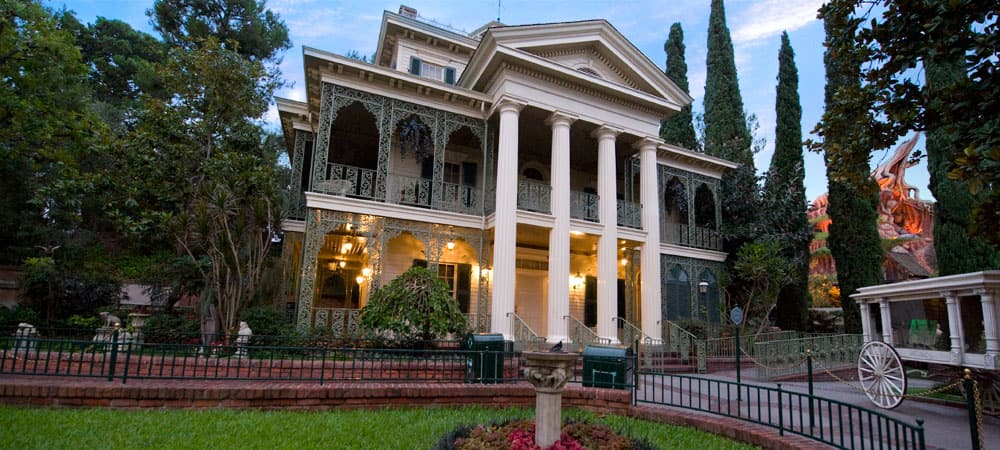 Resultado de imagem para Haunted Mansion