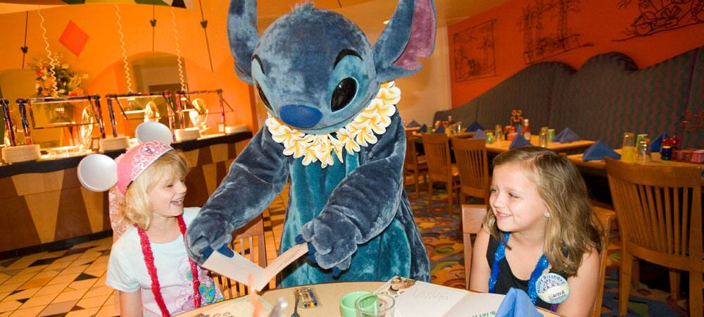 Character Dining with Stitch