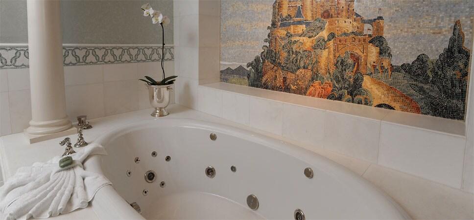Whirlpool tub.