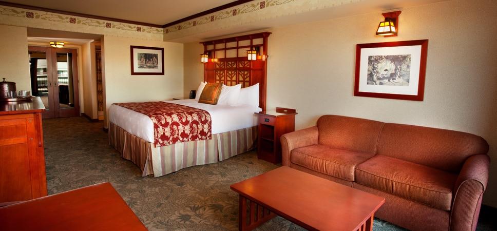 Una de las recámaras con cama qeen y sofá-cama opcional