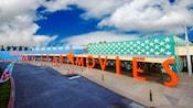 Vista exterior da entrada do Disney's All Star Movies Resort