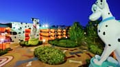 Statues de Perdita et Pongo surplombant le Disney's All-Star Movies Resort