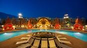 Cozy Cone Pool com enormes cabanas em cones no Disney's Art of Animation Resort