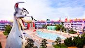 Passeio pela área dos anos 1950 e dos 101 Dálmatas da Disney no Disney's Pop Century Resort
