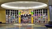 Loja e praça de alimentação Everything Pop no Disney's Pop Century Resort