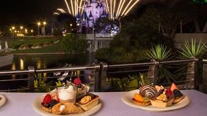Un assortiment de sucreries au Fireworks Holiday Dessert Party à Tomorrowland Terrace