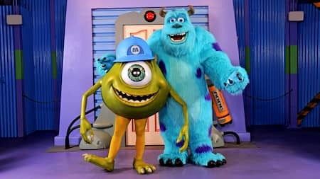 Mike y Sulley posando juntos