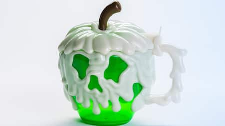 Disneyland Halloween Time Treats : Poison apple mug
