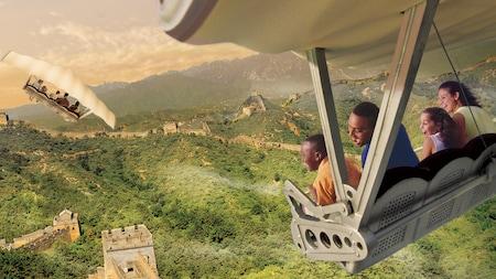 Arte conceitual de Visitantes planando sobre a Grande Muralha da China a bordo da Soarin' Around the World