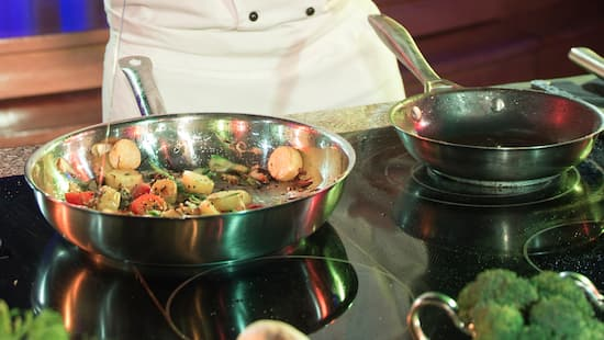 Celebrity Chef LIVE! at the Hyperion at the 2018 Disney California Adventure Food & Wine Festival