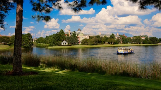 Disney's Saratoga Springs Resort & Spa