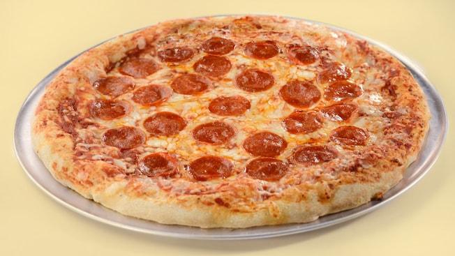 Uma porção de pizza de pepperoni