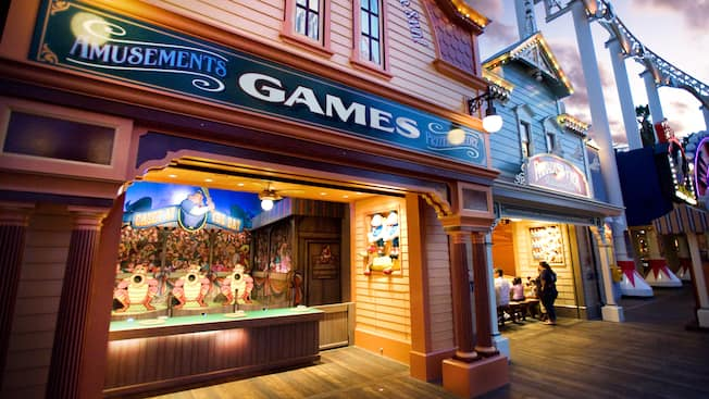 Large sign that says Games at the Games of the Boardwalk attraction