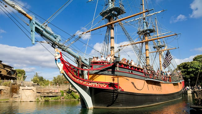 Sailing Ship Columbia in the Rivers of America waters