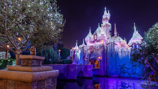 Sleeping Beauty Castle Walkthrough Disneyland Resort - The 12 best disneyland attractions for your little princess