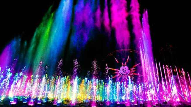 Mist streams, exploding fountains and dancing lights during World of Color