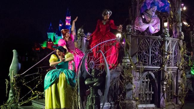 frightfully fun parade at mickeys halloween party - Disneyland Hours Halloween