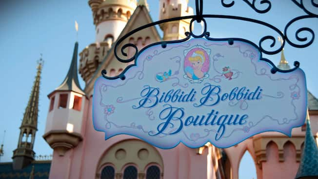 Entrance sign for Bibbidi Bobbidi Boutique at Disneyland Park