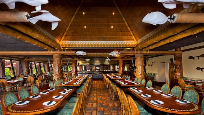 Tropical Themed Dining Room Of Ohana At Disney S Polynesian Resort With Fire Pit In