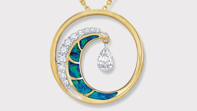 The ultimate wave shimmer pendant in yellow gold with pavé diamonds and an opal inlay by Na Hoku