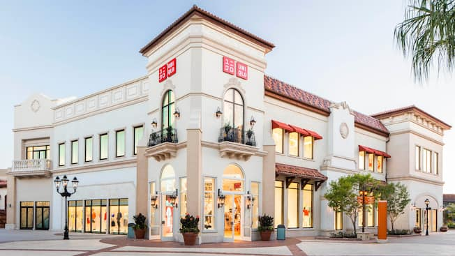 The exterior of UNIQLO