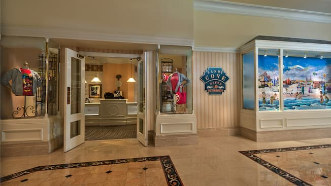 Exterior of Sandy Cove Gifts and Sundries at Disney's Grand Floridian Resort & Spa
