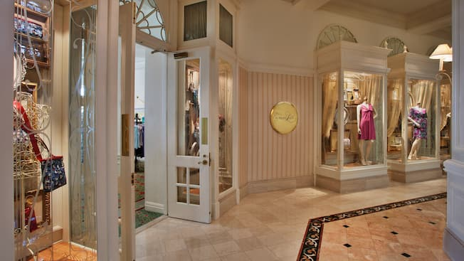 Exterior of the Summer Lace boutique at Disney's Grand Floridian Resort & Spa
