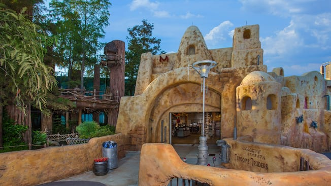 Exterior of Tattooine Traders in Echo Lake at Disney's Hollywood Studios