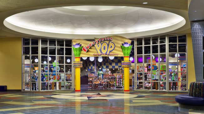Frente de la tienda Everything Pop Shopping and Dining en Disney's Pop Century Resort