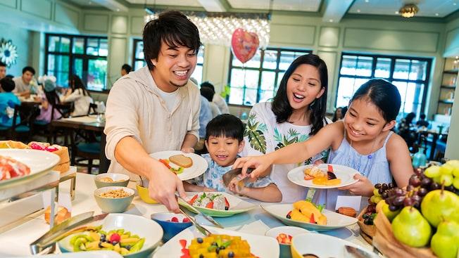 "Image result for hong kong disneyland restaurant"""