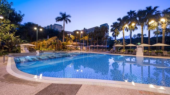Disney 39 S Hollywood Hotel Pools Hong Kong Disneyland Resort