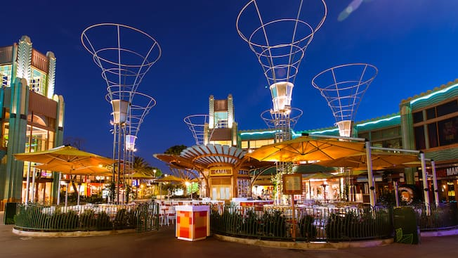The outdoor Uva Bar, in front of Catal Restaurant at Downtown Disney District at night provides a relaxed adult environment.
