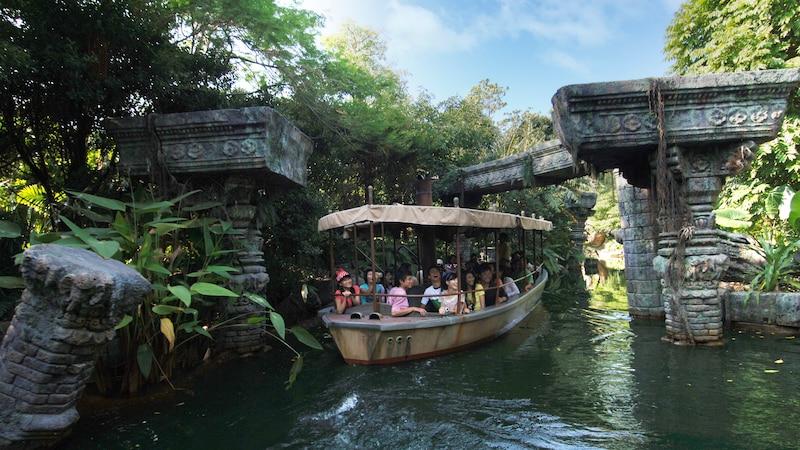 ジャングル リバー クルーズ アトラクション 香港ディズニーランド