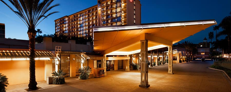 The Modern Carport And Entrance To Sheraton Park Hotel At Anaheim Resort Lit Up