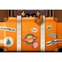 Une icône en forme de valise avec des autocollants de voyage